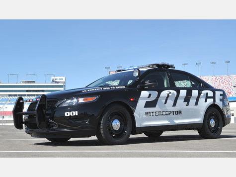 Ford Police Interceptor gibt es mit Hinterradantrieb oder auch 4x4